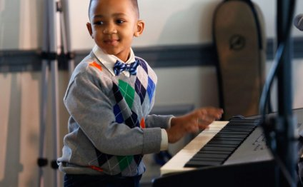 Piano lessons Toddler